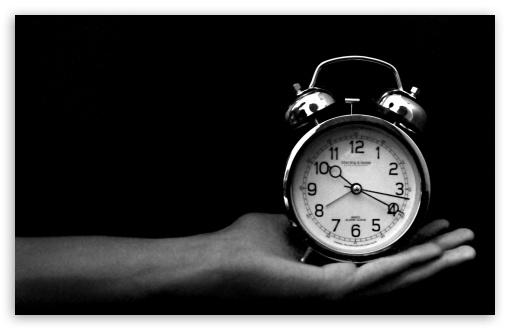 Crno-bela fotografija - Page 13 Old_clock_black_and_white-t2